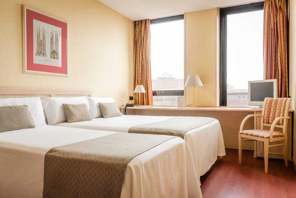 Double room with extra bed sunotel aston  barcelona